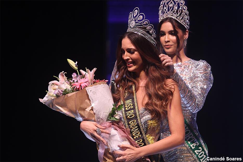 Presidente da Assembleia enaltece história de superação da Miss RN 2019