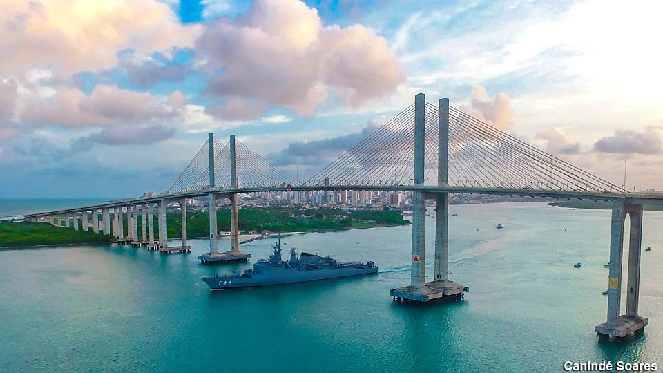 Marinha do Brasil. Escola Naval: inscrições abertas até 7 de junho