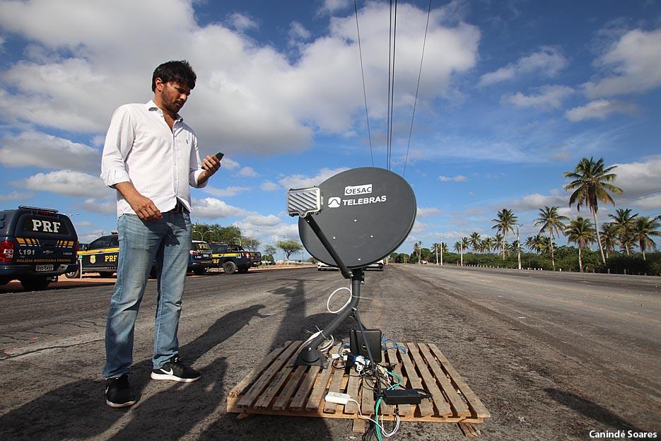 Ministro das Comunicações entrega internet via satélite para canteiro de obras da BR-304, em Macaíba (RN)