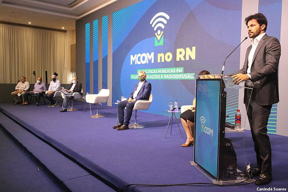 Ministério das Comunicações apresenta políticas públicas aos prefeitos e parlamentares do RN