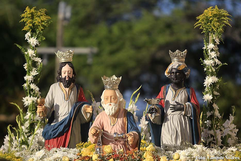 Feriado de Santos Reis nesta quarta-feira dia 6 modifica o horário do comércio