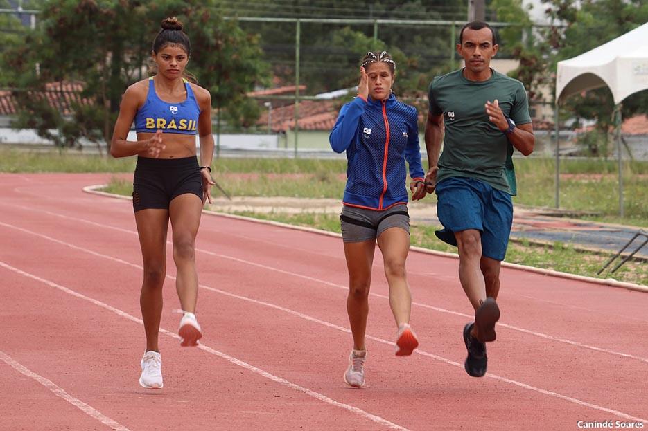 Paralimpíadas: Com apenas 17 anos, potiguar ganha bronze nos 400 metros T20